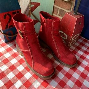 LA CANADIENNE Waterproof Suede Boots, 7.5